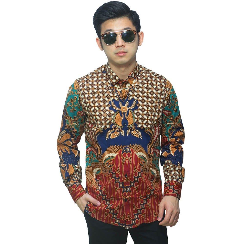 Kemeja Batik Andalan saat Kondangan