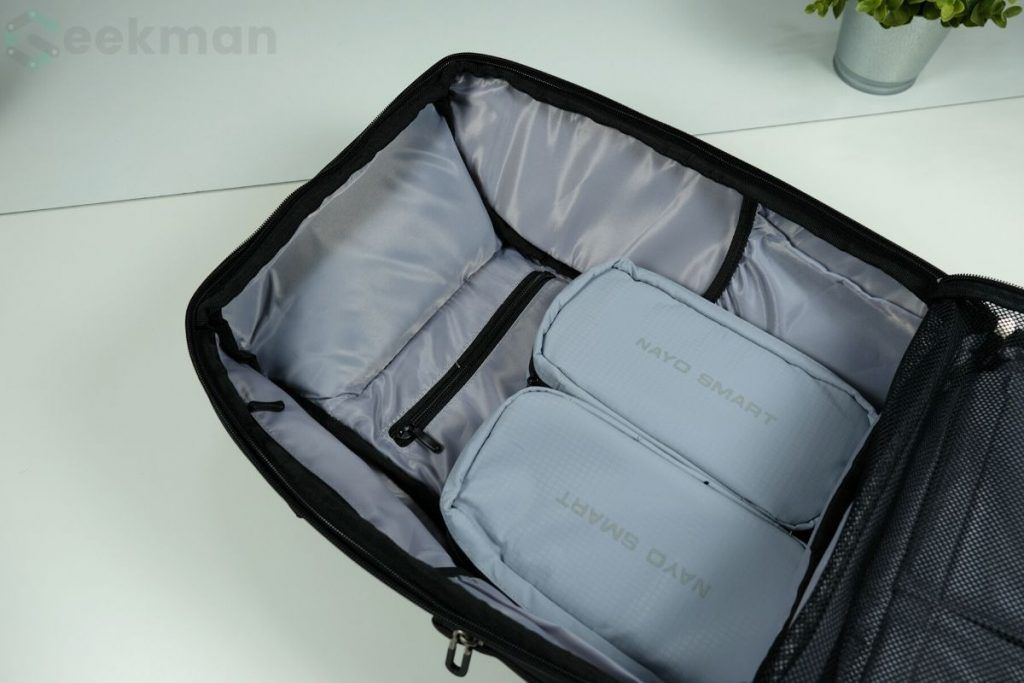 Nayo Smart Almighty main compartment