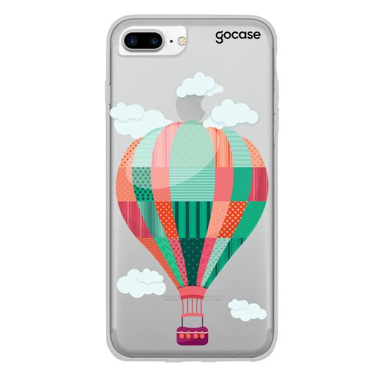 Capinha para celular Viajando nas Nuvens