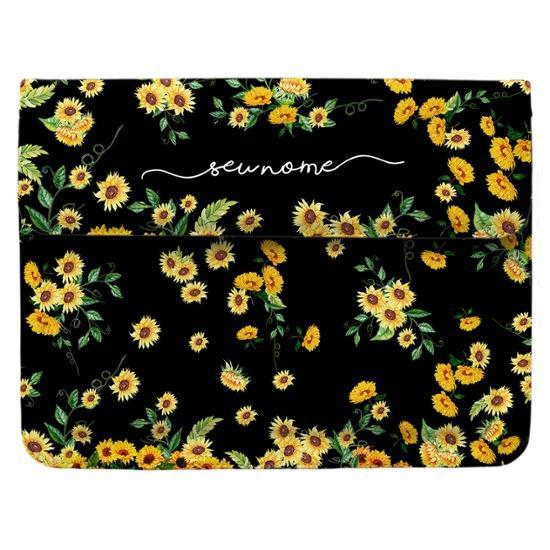 Capa para Notebook - Próprio Sol Black Manuscrita by Bruna Vieira