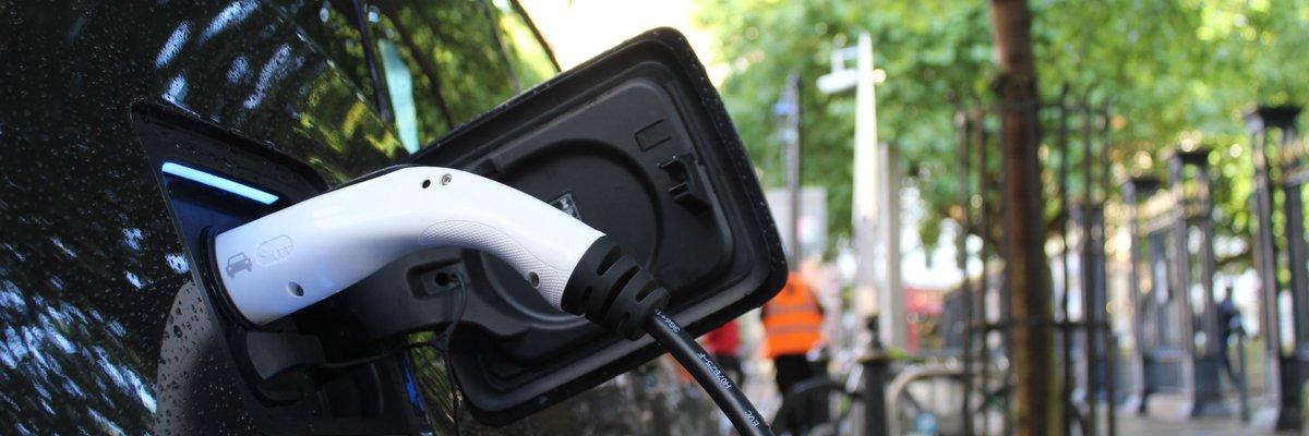 Mehrheit sieht Elektromobilität kommen - dennoch viele weiter kritisch.