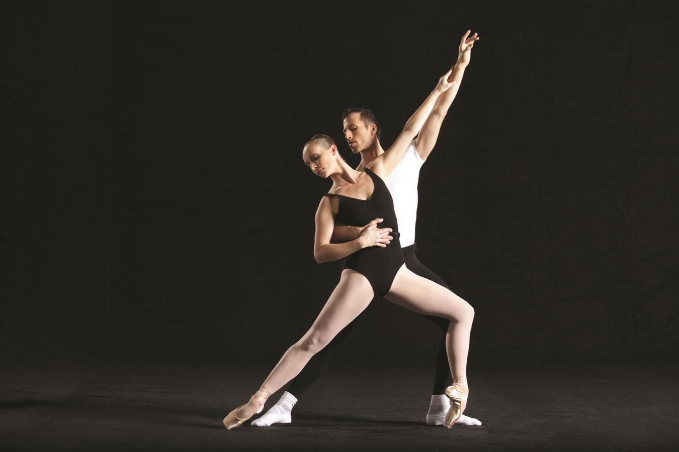 Miami City Ballet dancers Callie Manning and Neil Marshall in Episodes. Choreography by George Balan