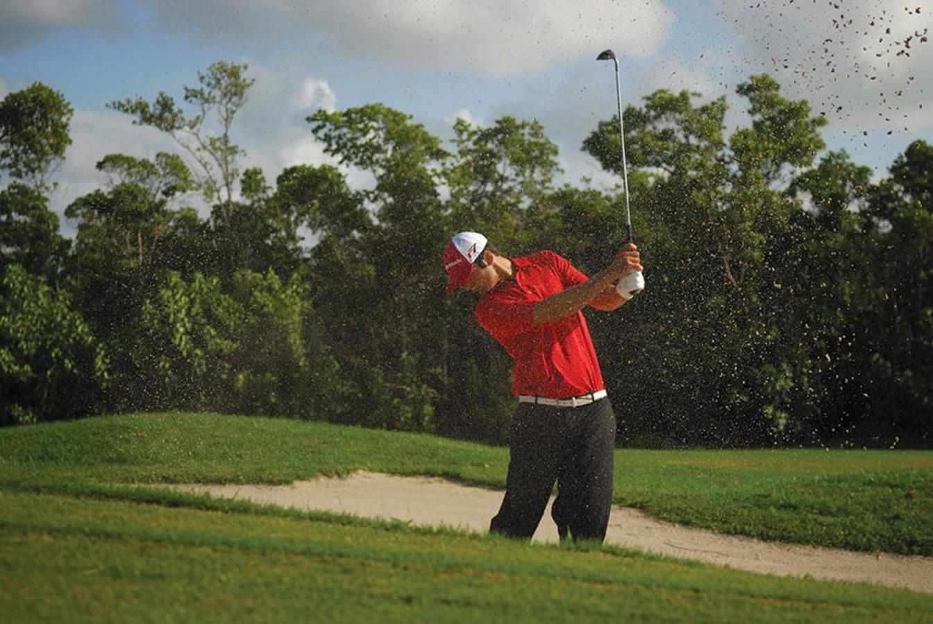 Golfer at Crandon Golf at Key Biscayne