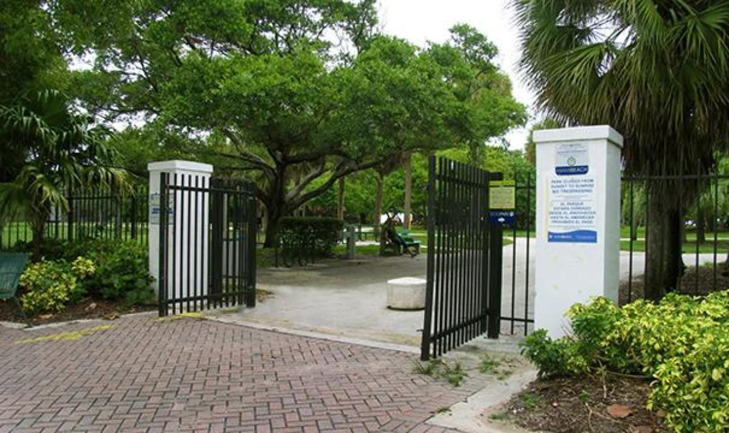 Beach entrance from Collins and 85th Street