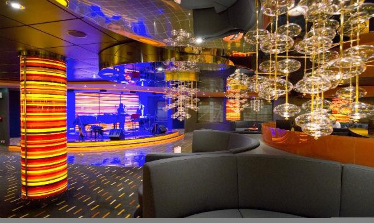 MSC Divina Golden Jazz Bar