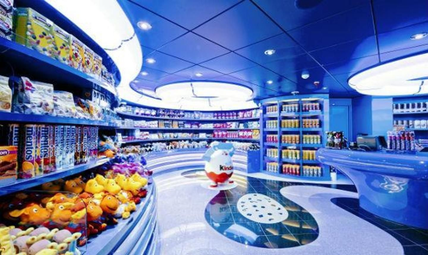 MSC Divina La Caramella candy shop