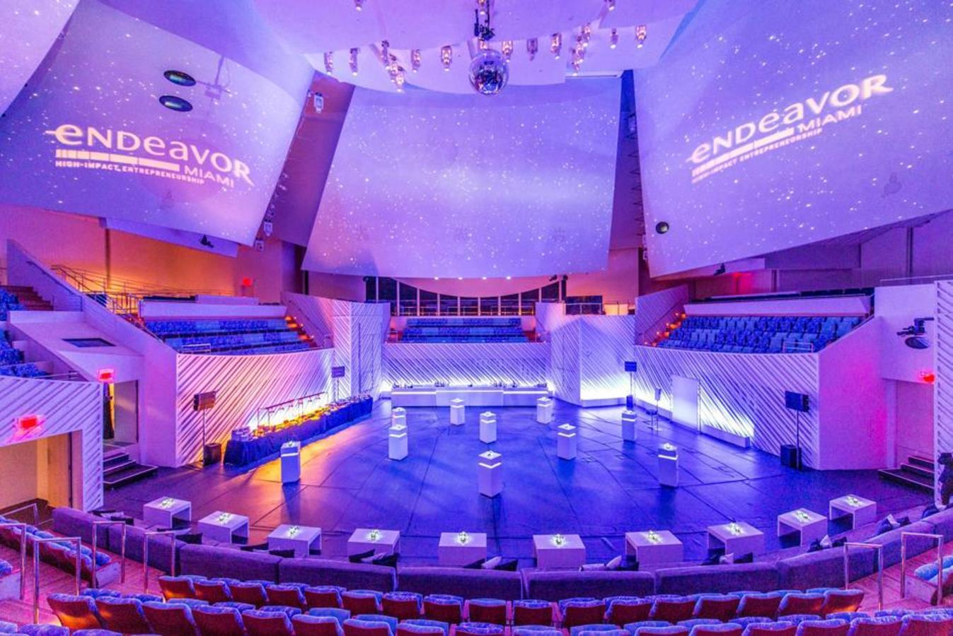 Performance Hall Spezielle Flachbodenkonfiguration
