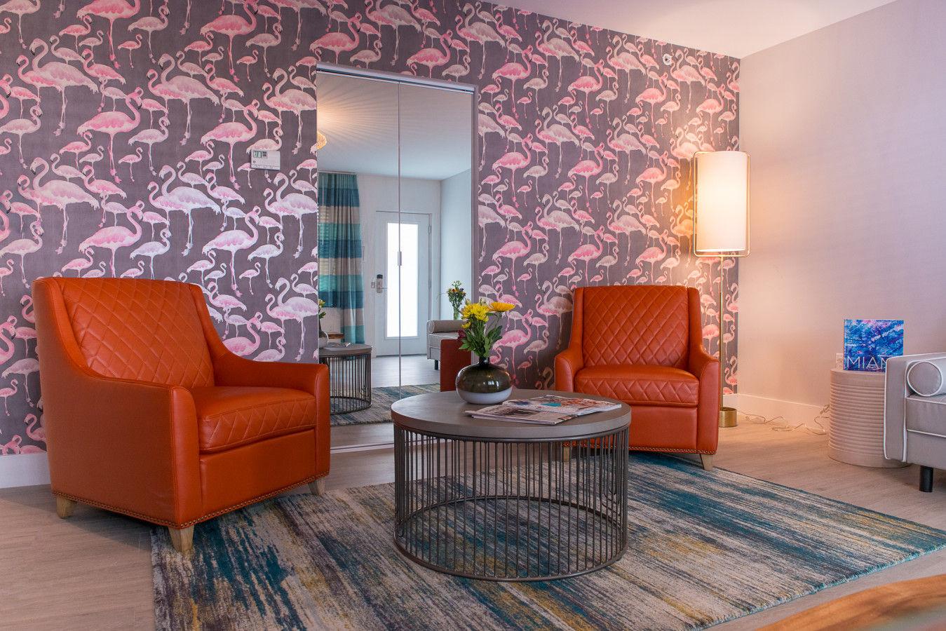 One Bedroom Queen - Lounge Area