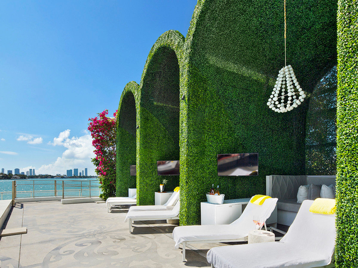 Mondrian South Beach's North Cabanas