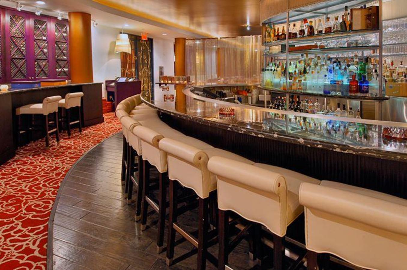 Passage Bar at Hotel Victor
