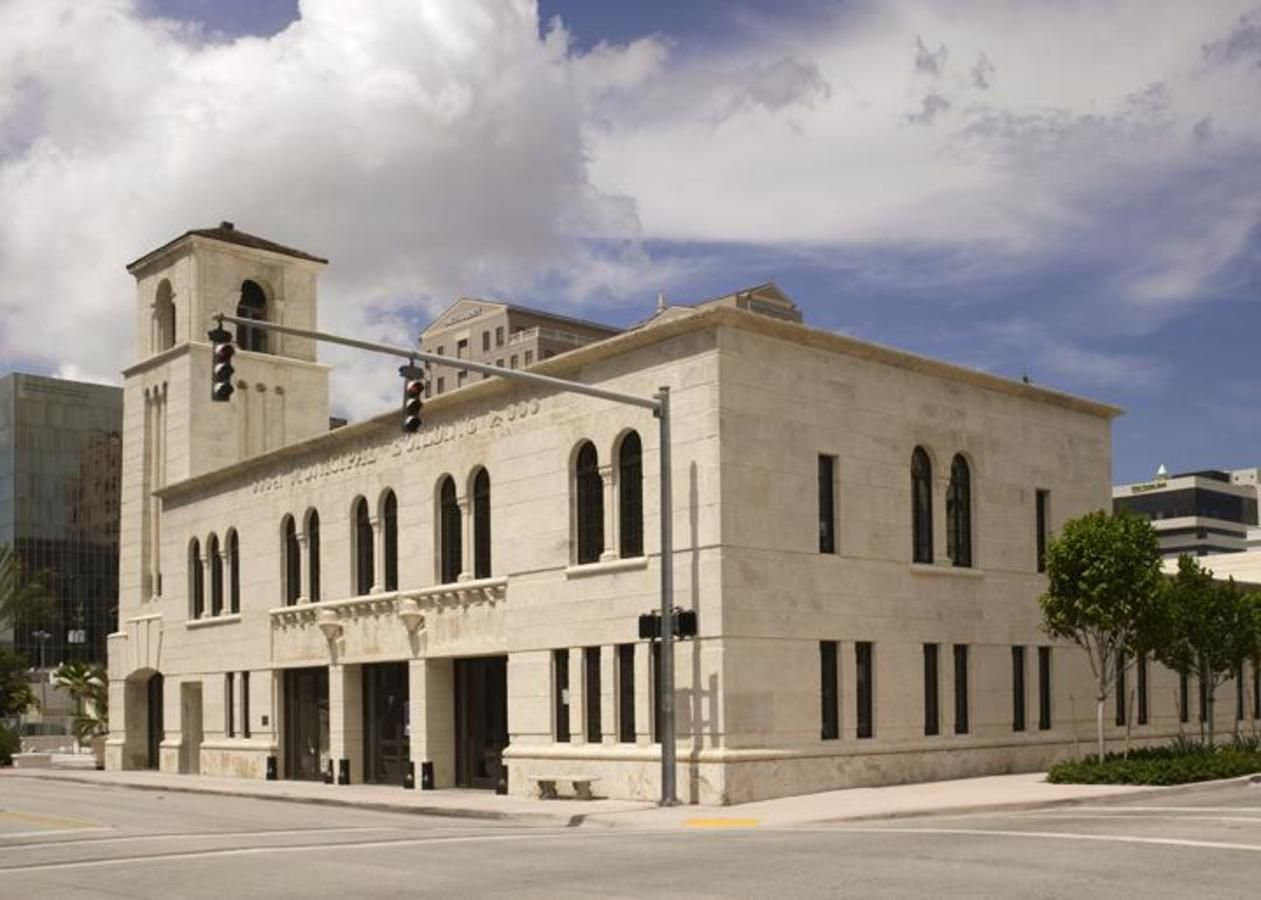 Coral Gables Museum - Le Coral Gables Museum , au coeur de la belle ville, est ouvert mardi -