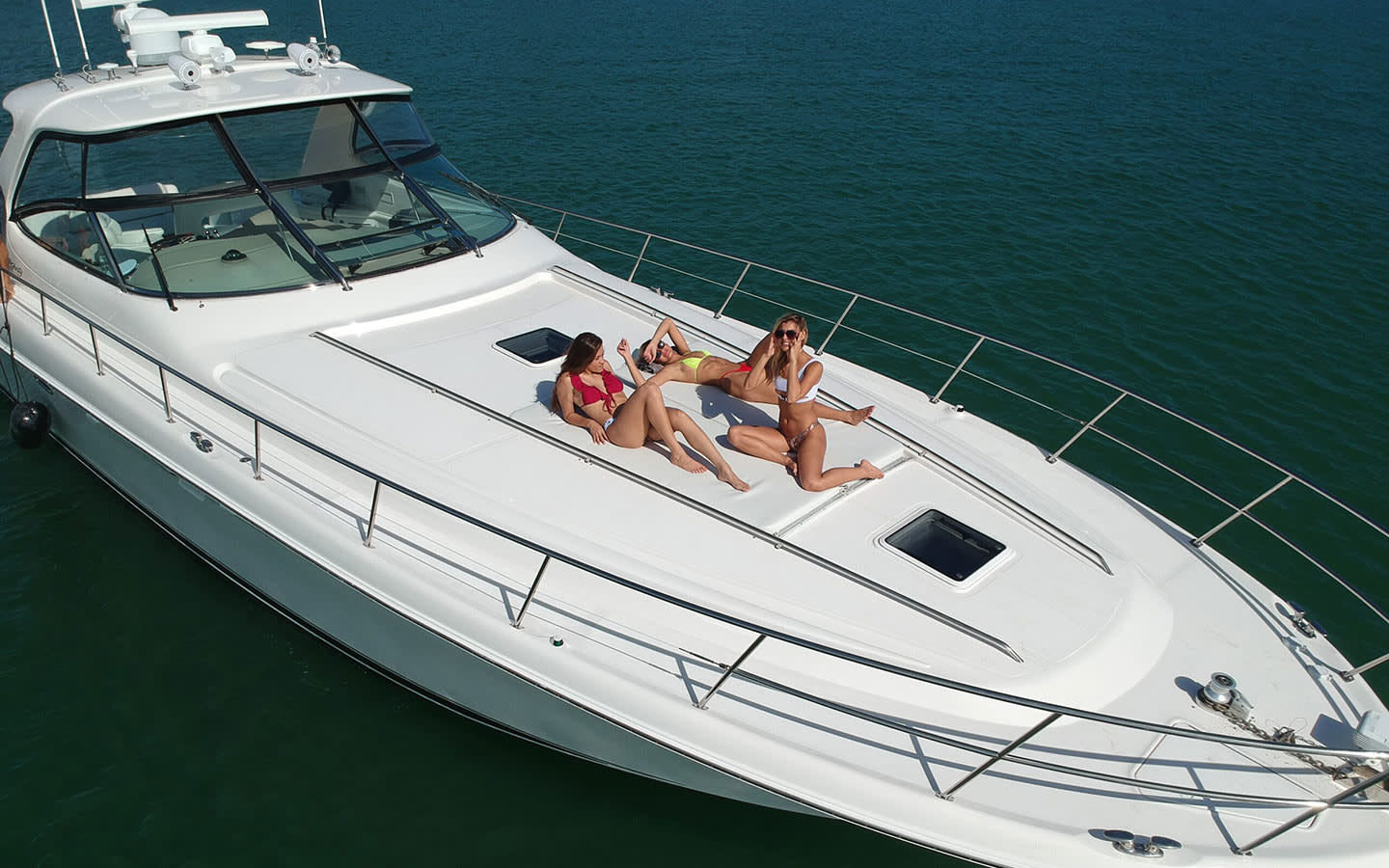 Sunset Spa & Wellness Yacht Charters 58ft Sea Ray