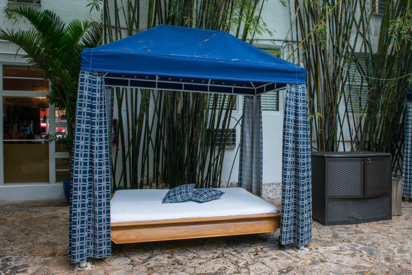Bambou Piscine Cabana