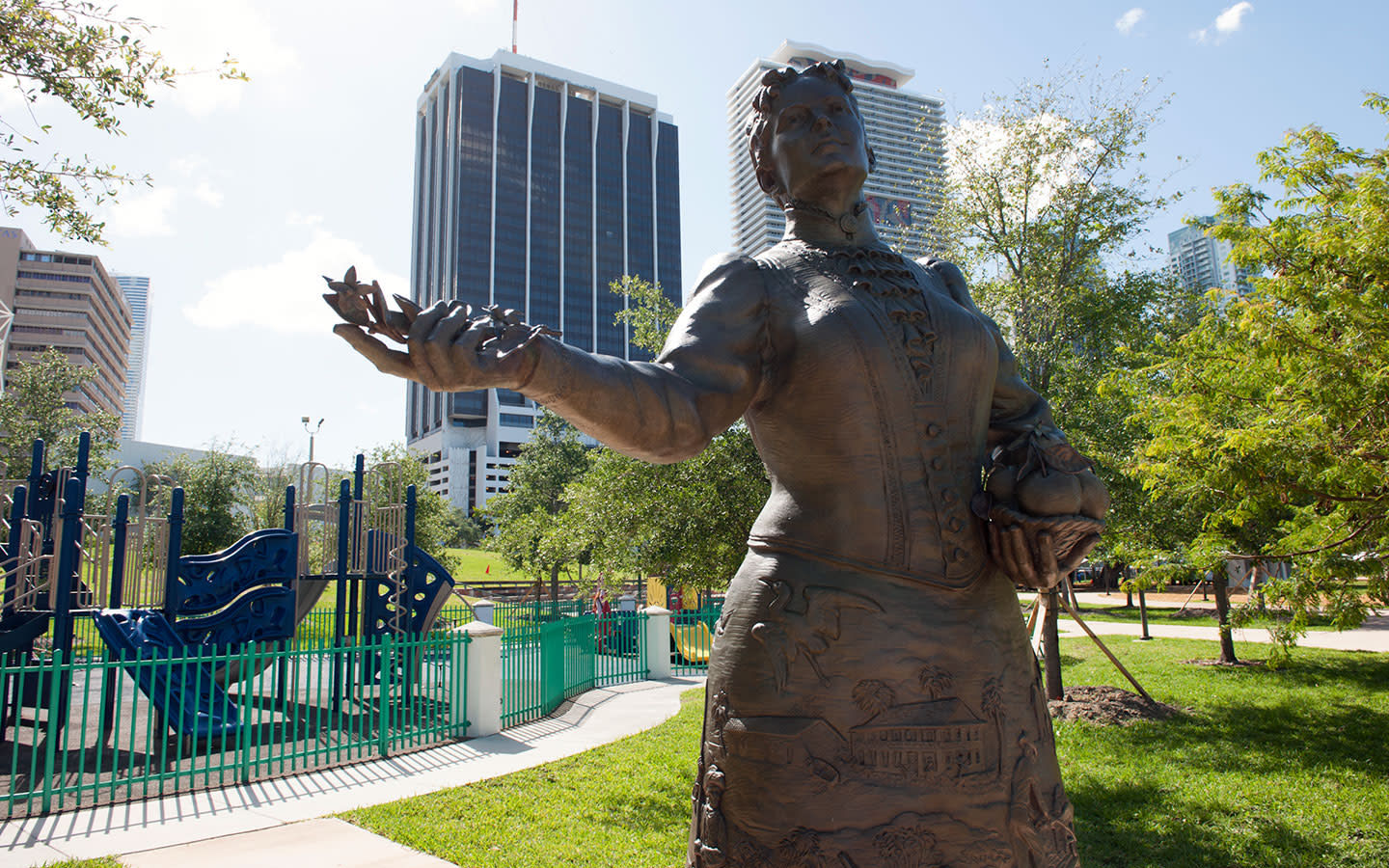 Statue of Julie Sturtevant Tuttle in Bayfront Park