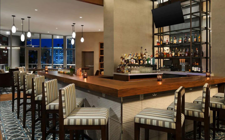 Cana bar