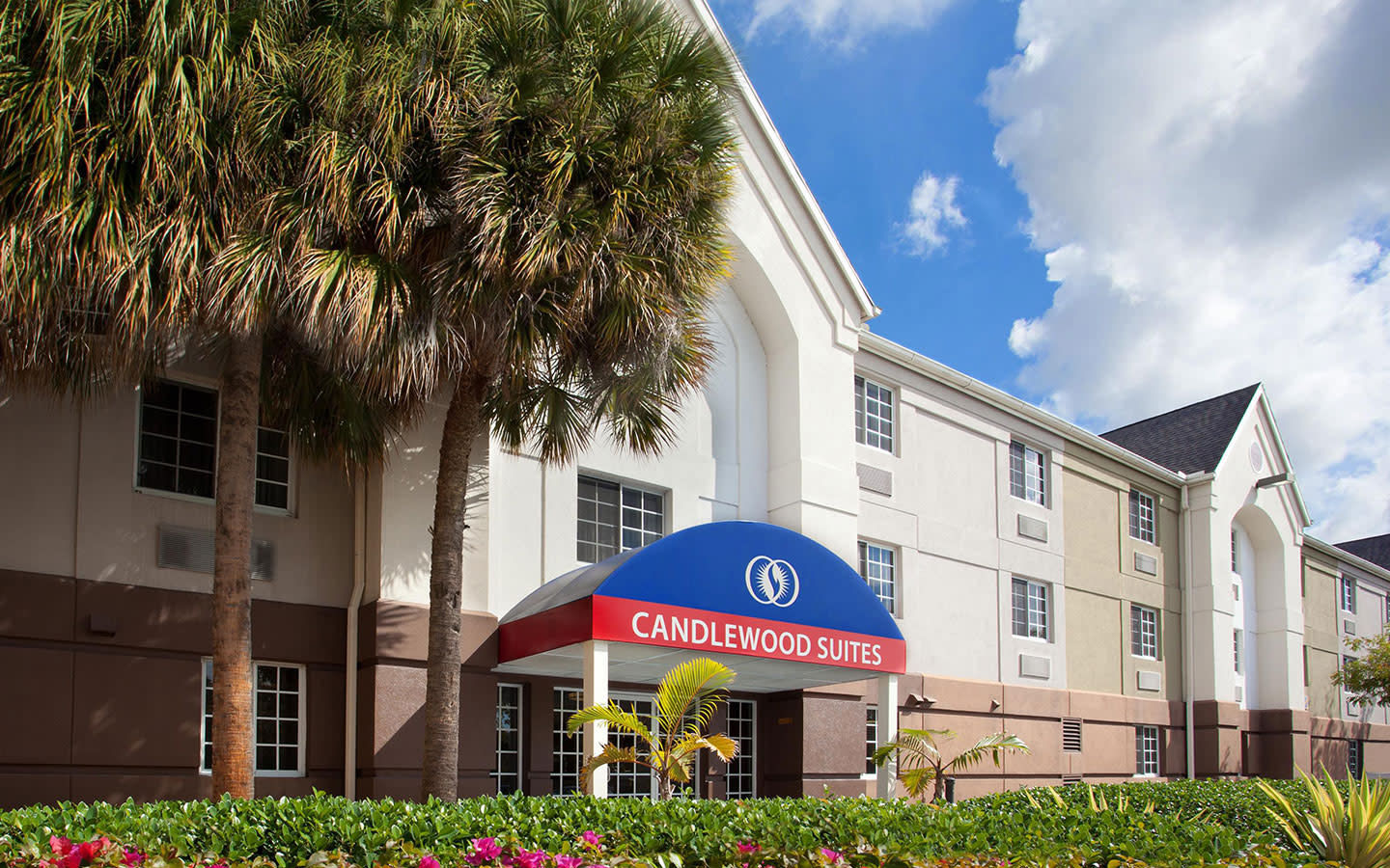 Candlewood Suites facade