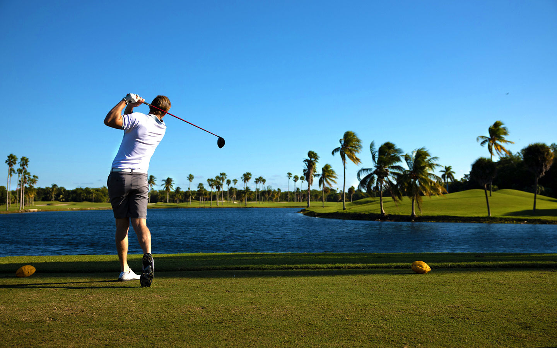 Golfer at Crandon Park