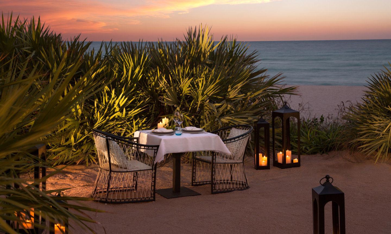 Dinning on the Ocean
