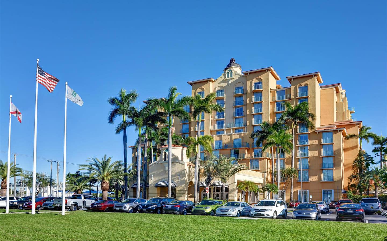 Embassy Suites Miami exterior