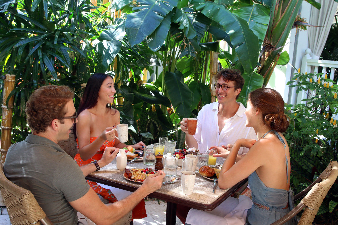 Grupo no café da manhã