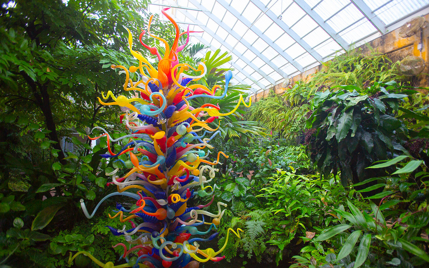 Chihuly-style glass sculpture