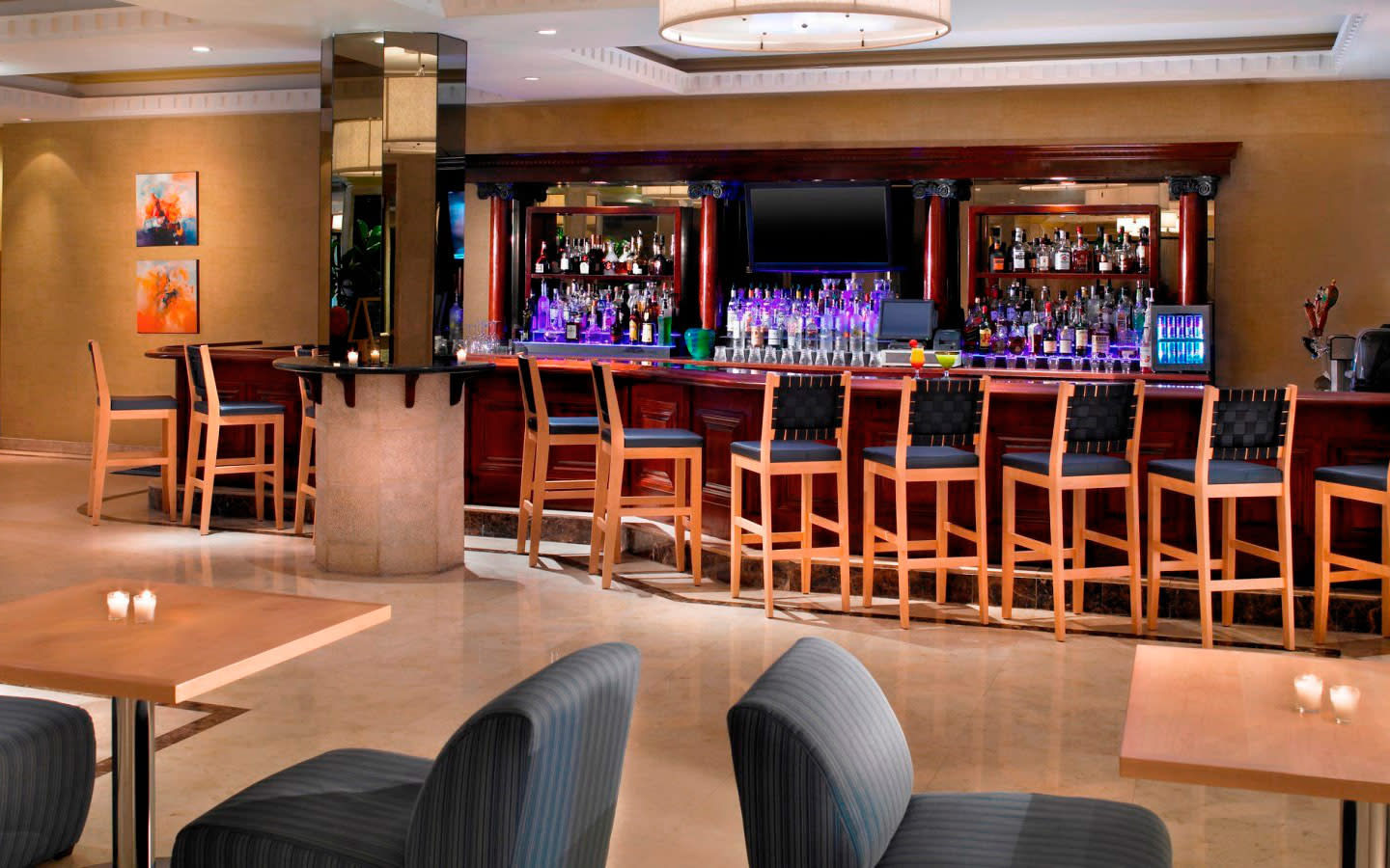 Bloo Lounge in Lobby of Four Points by Sheraton Miami Beach