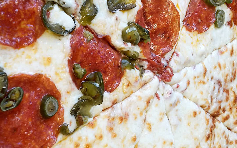 Groovys Pizza & Grill