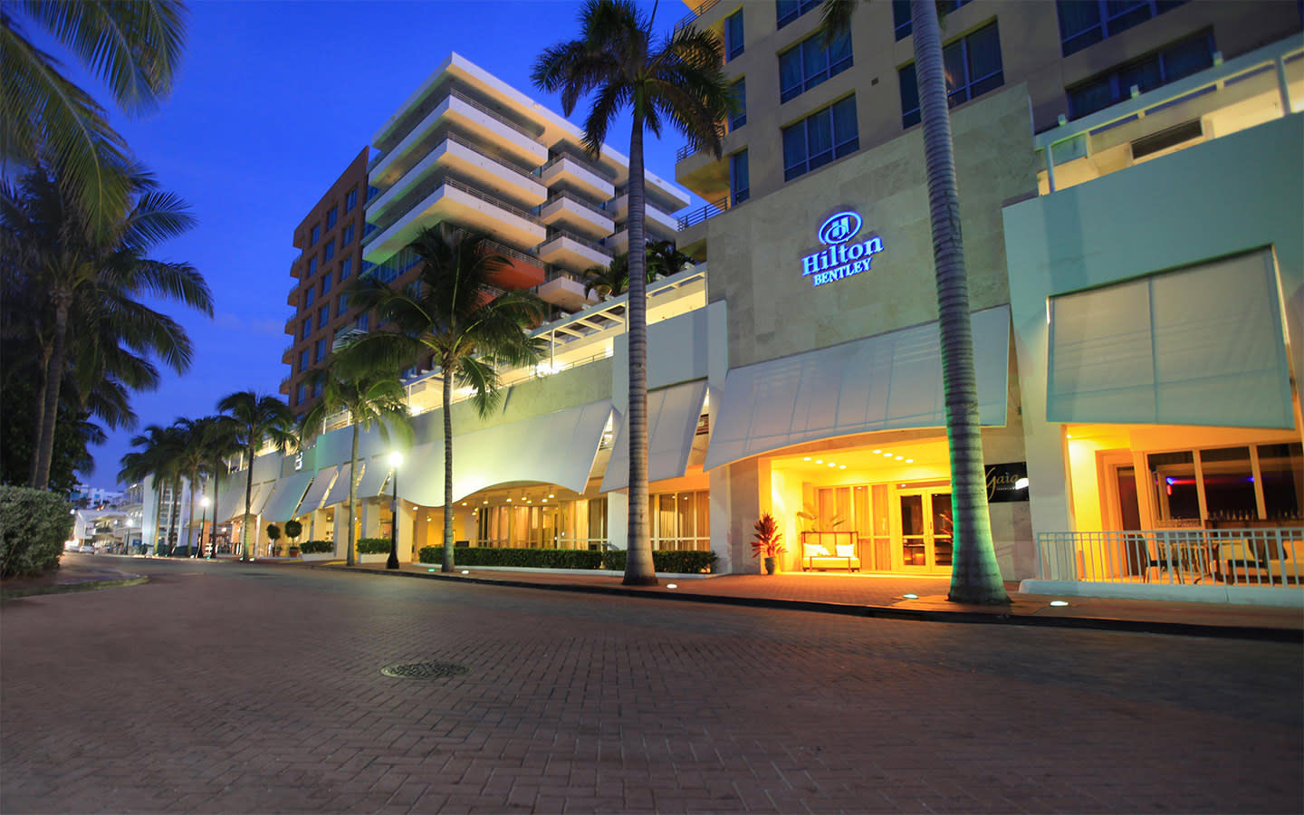 Hilton Bentley Hotel Facade