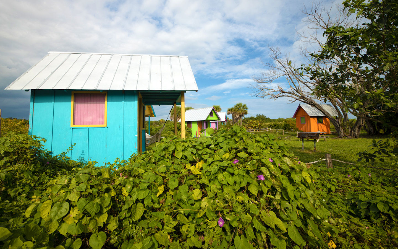 Cabanas disponíveis na histórica Virginia KeyBeach Parque