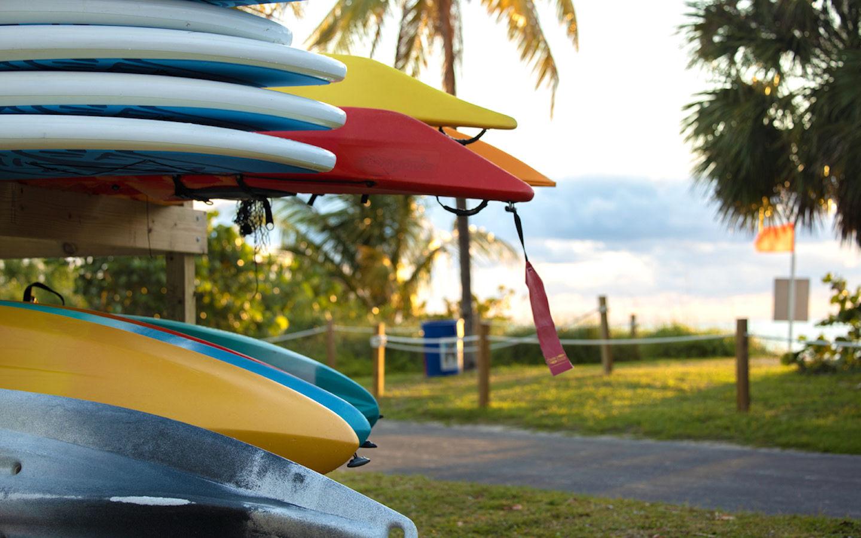 Aluguel de paddleboards e caiaques disponíveis