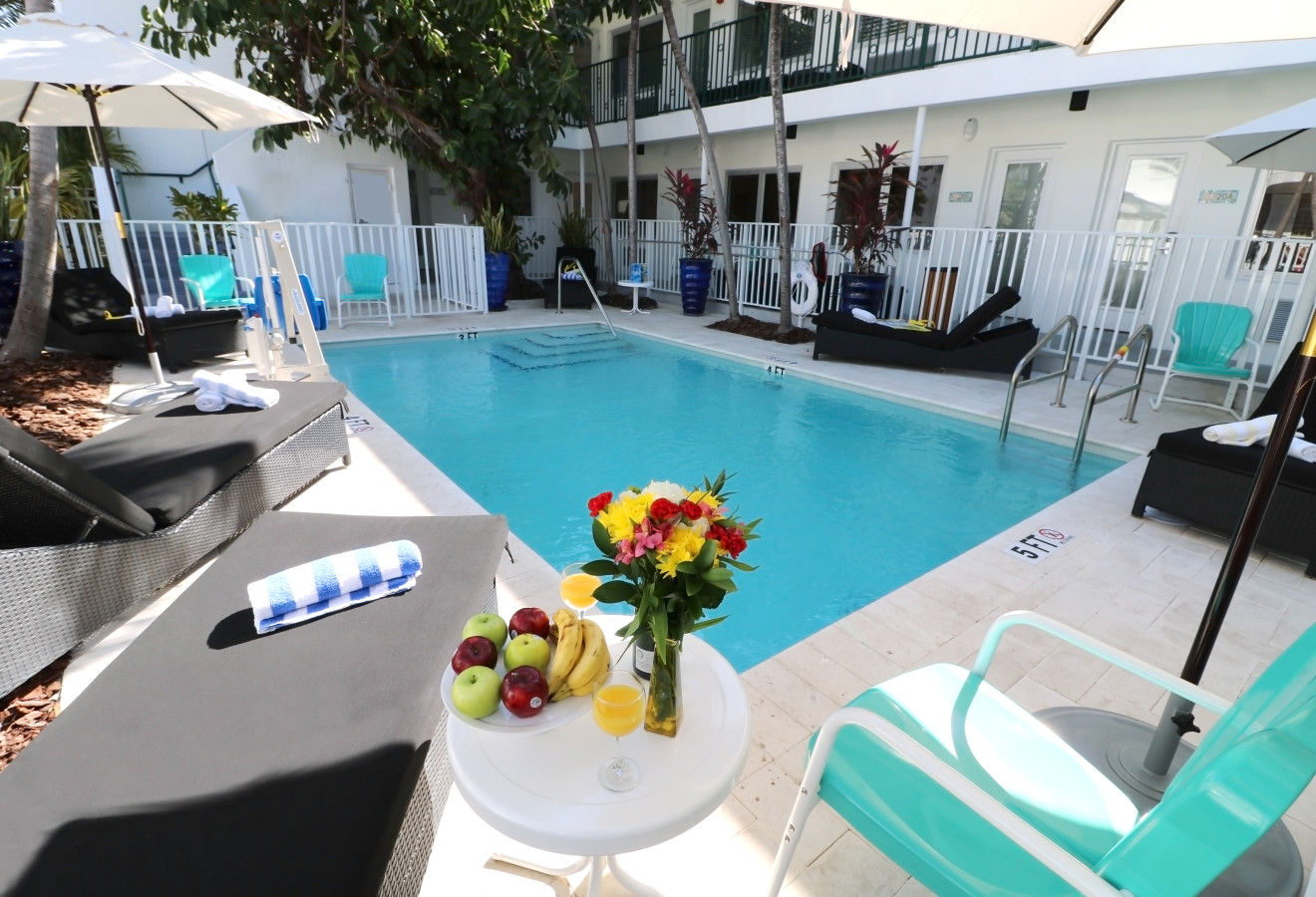 Seaside Apartment Hotel - Pool