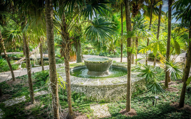 Morris Lapidus Fountain