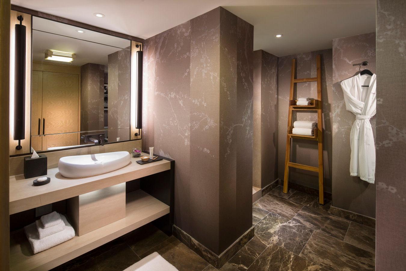 Junior Suite mit Kingsize-Bett und Blick auf die Bucht - Nobu HotelMiami Beach