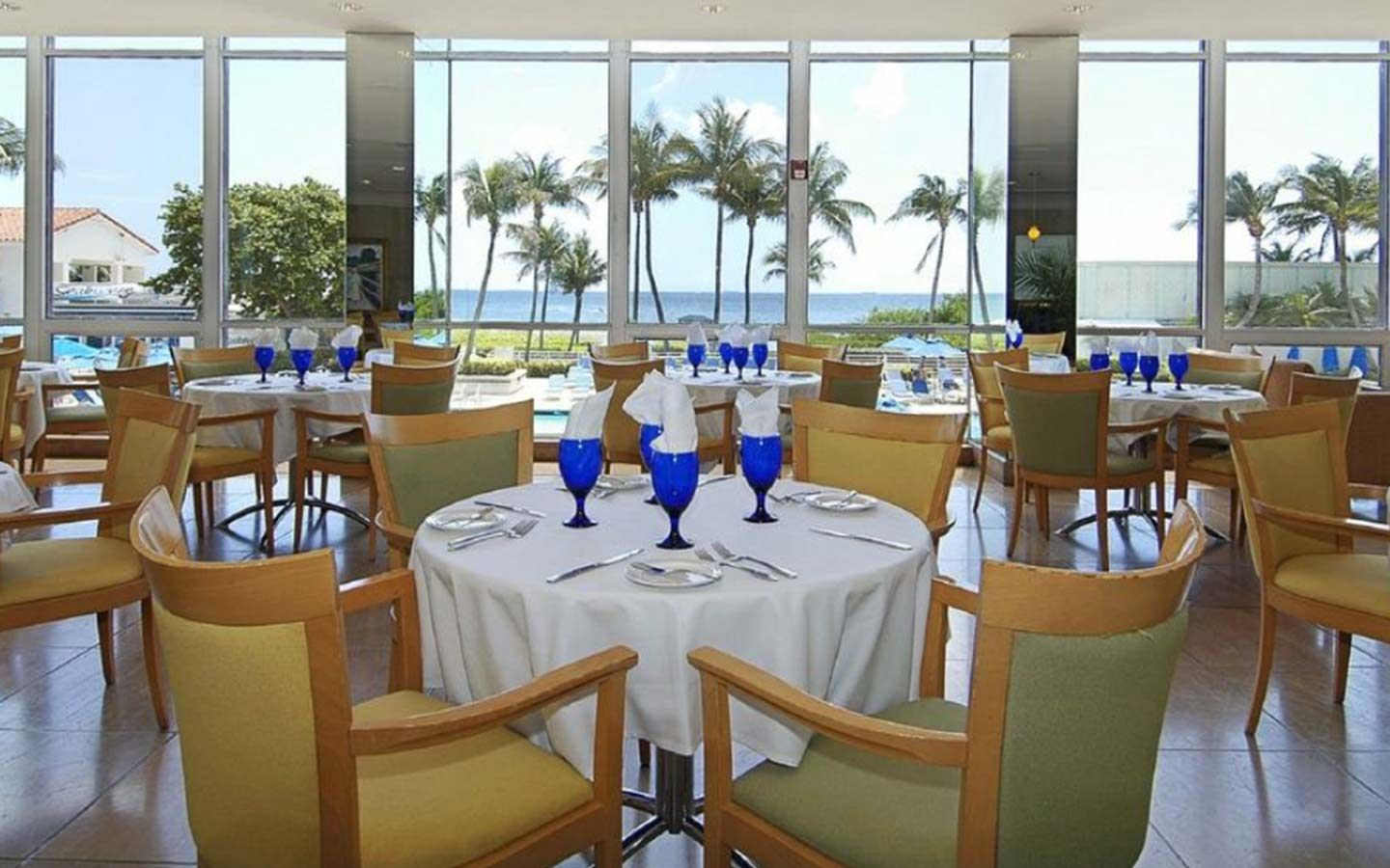Miami Beach Resort & Spa Oceanview Bar & Bistro