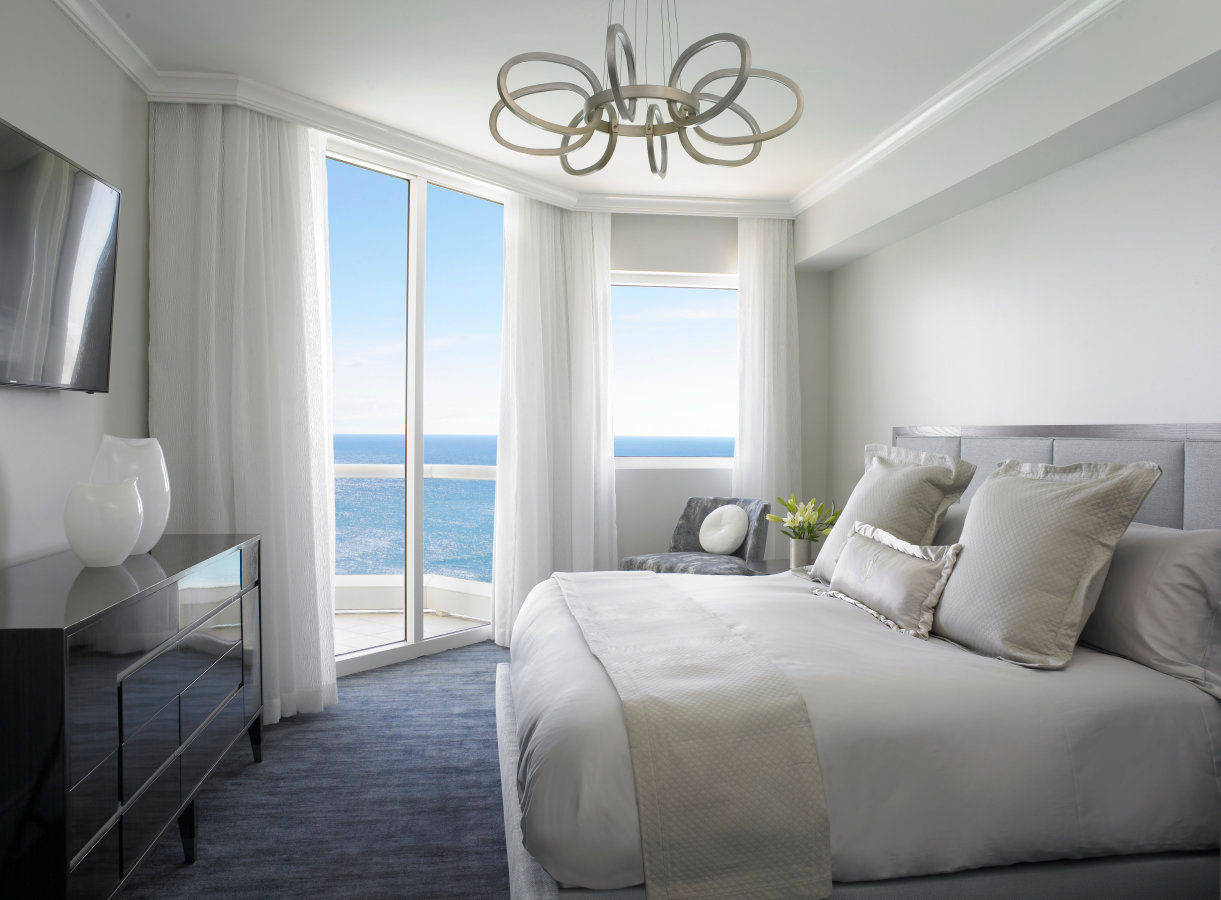 Grand Deluxe Three Bedroom Oceanfront Suite Master Bedroom