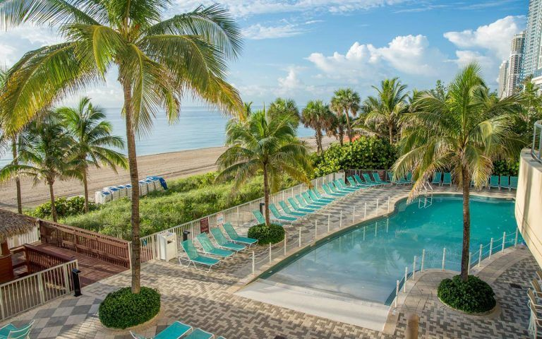 DoubleTree by Hilton Ocean Point Resort & Spa: Beach Break - $50 Food and Beverage Credit