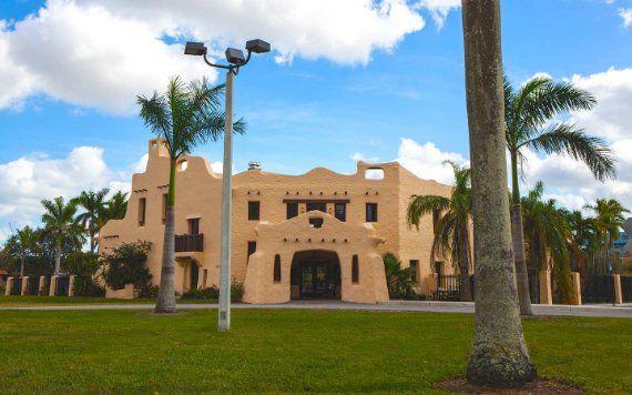 Curtiss Mansion exterior