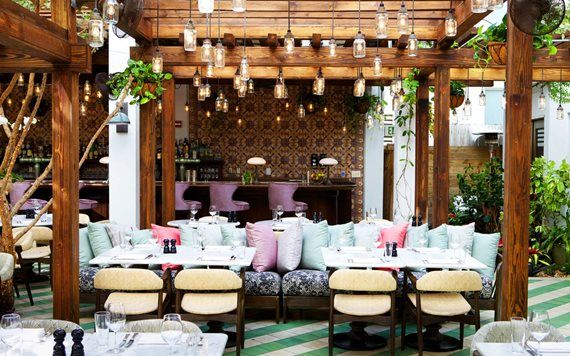 Cecconi's outdoor dining