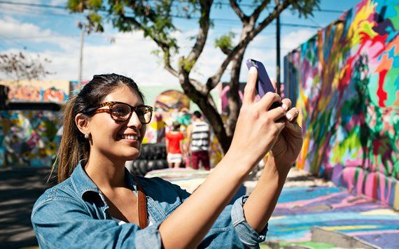 woman taking selfie at Wynwood Walls
