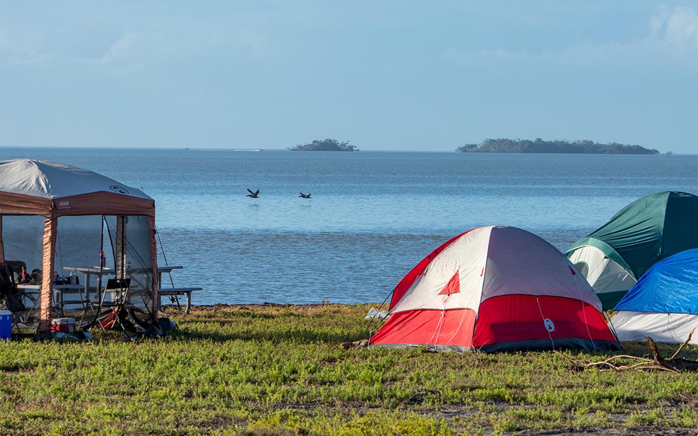 Barraca de acampamento no Flamingo
