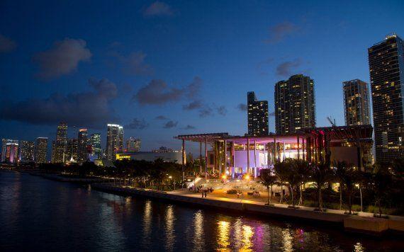 Perez Art Museum Miami la nuit