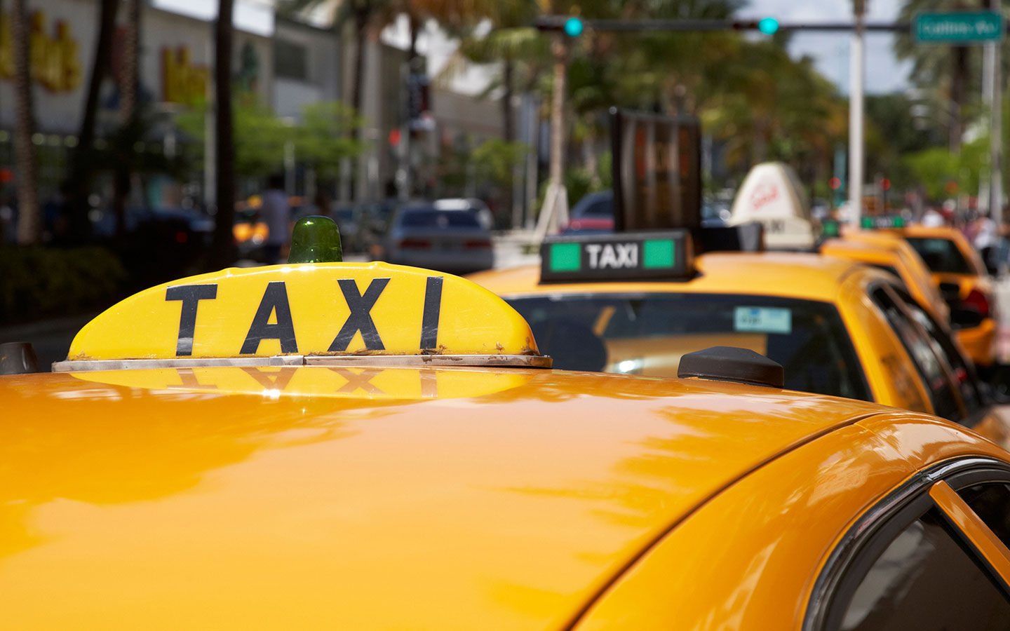 How To Get a Taxi in Miami