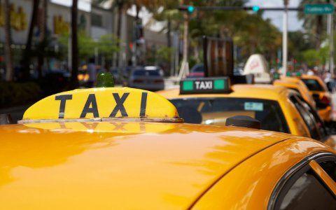 Wie bekomme ich ein Taxi in Miami
