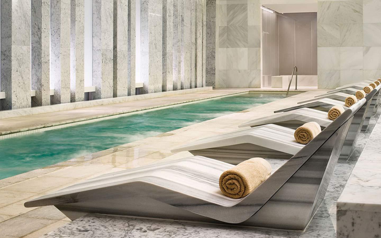 Lapis spa at Fontainebleau