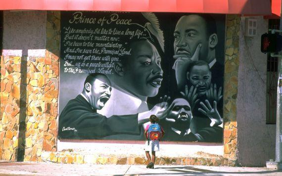 Mural da MLK pintado pelo falecido Oscar Thomas