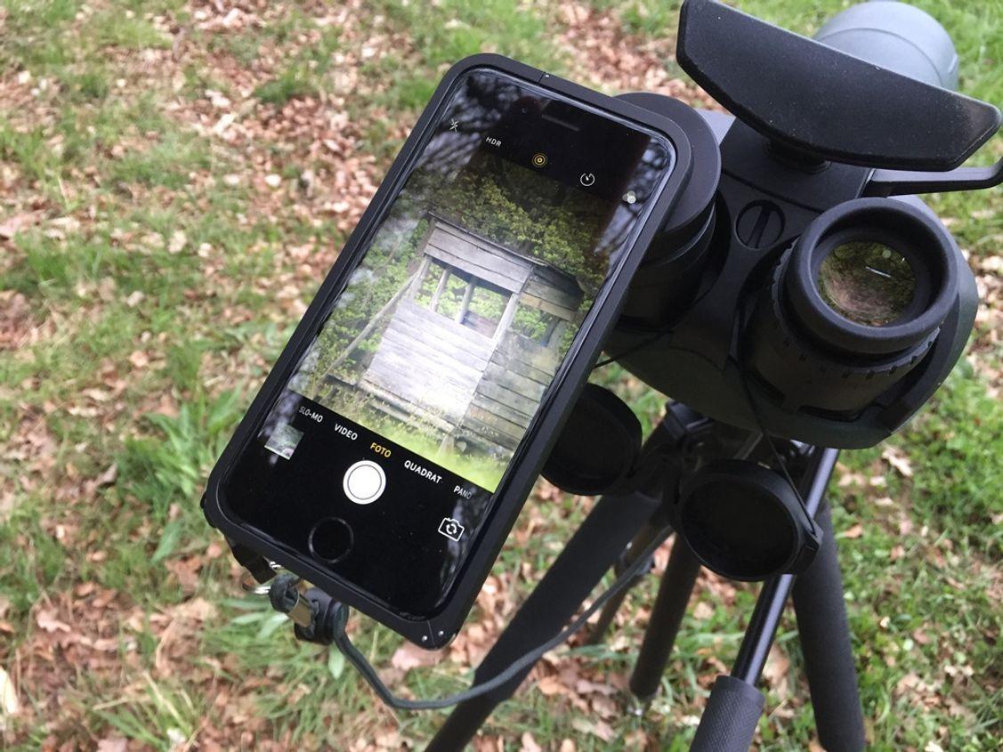 Was mir persönlich sehr viel Spaß macht! Das Digiscopen mit Handy! Adapter gibt es einige! Swarovski liefert ebenfalls den passenden für euer Handy mit!