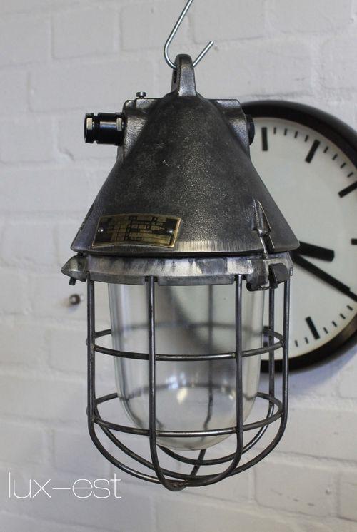 'THALE S RAW' Ex Fabrik Bunker Lampe Industriedesign VEB EOW
