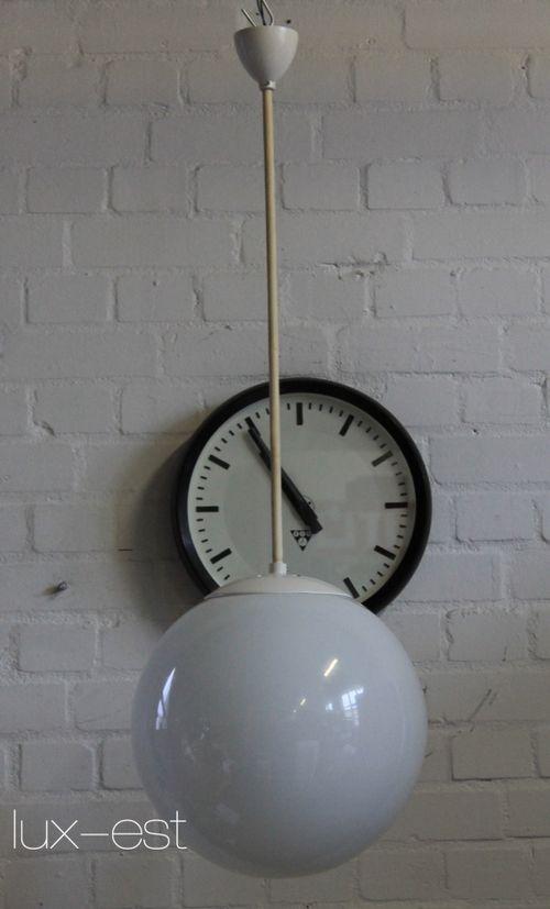 'KLARA XL' Opal Kugel Pendel Lampe Bauhaus Design DDR Kulturhaus