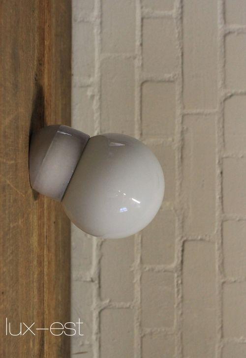 'ERFURT XS 30°' Bauhaus Design Lampe Opal Glas Porzellan