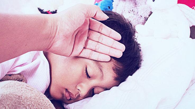 यह 6 रामबाण घरूले नुस्खे करेंगे आपके बच्चे की सर्दी खांसी दूर